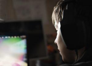 Boy with headphones © Fotolia