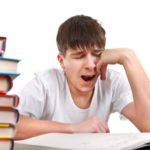 Commencer les cours plus tard : bon pour la santé ?