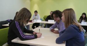 Simulation d'une situation de médiation / collège Croix Maître Renault de Beaumont-le-Roger / Dgesco