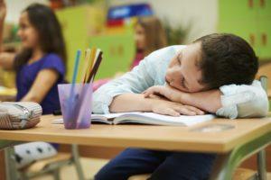 écolier qui dort