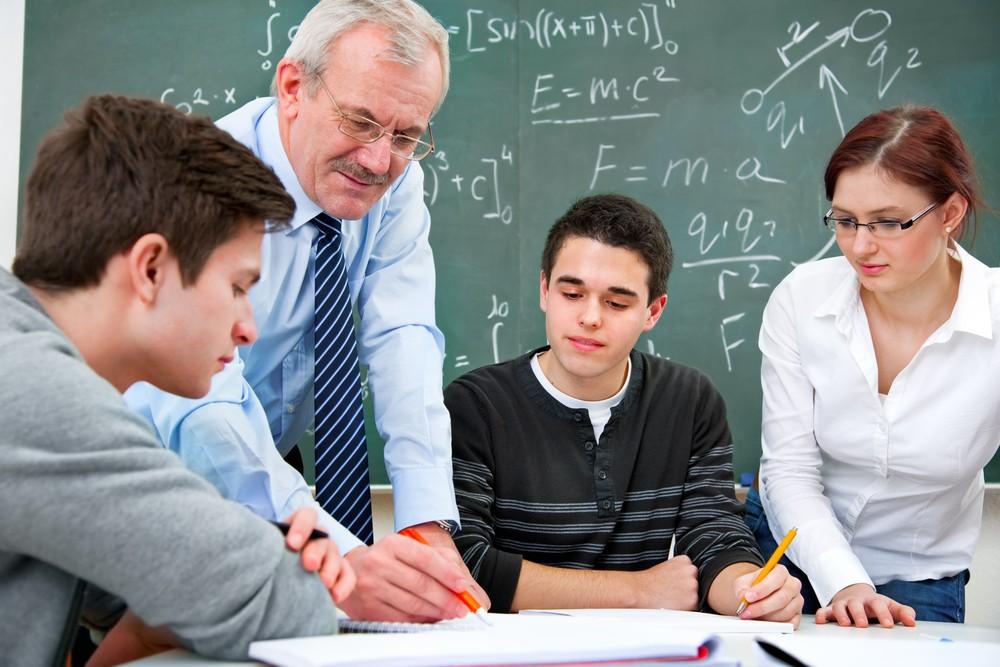 Plan étudiants : les missions des deux profs principaux de terminale précisées