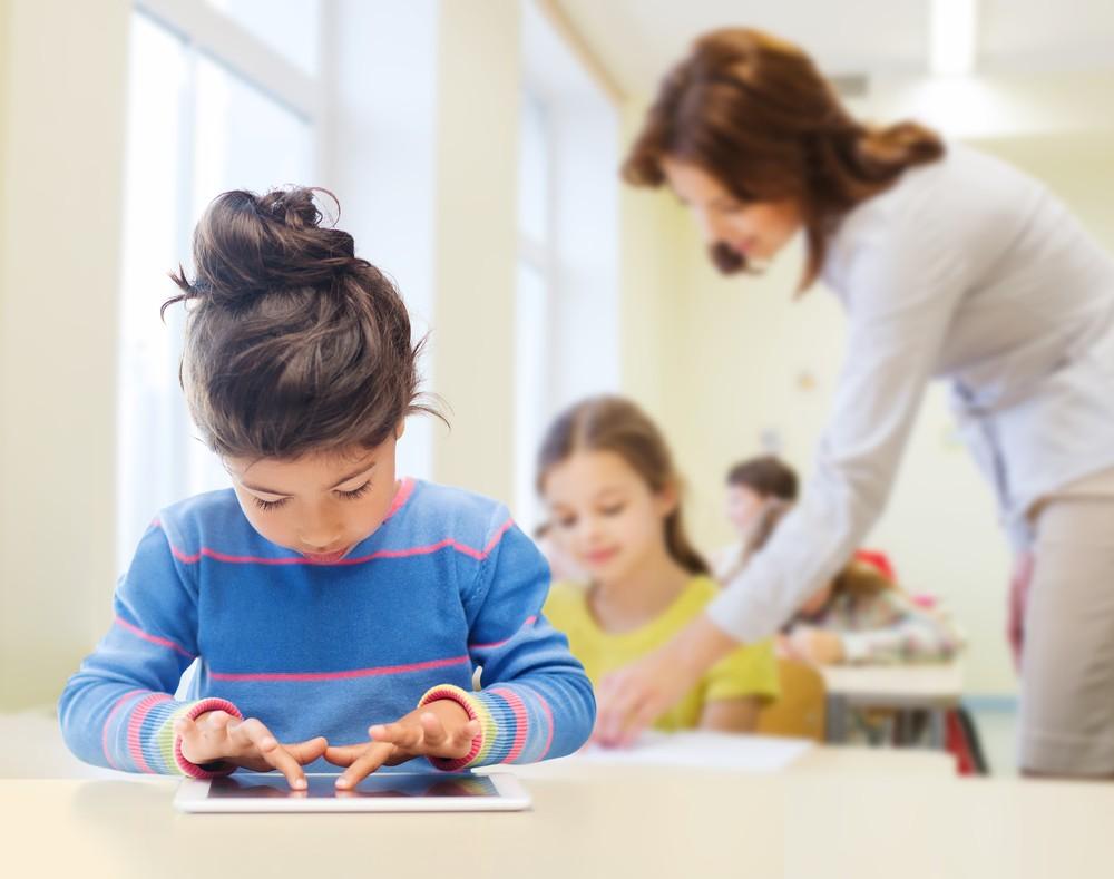 «Avant 7 ans, les tablettes ne doivent pas être un outil pédagogique, mais juste un jeu»