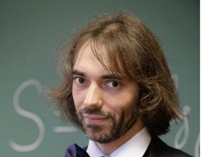Intelligence artificielle : Cédric Villani veut doubler les salaires des chercheurs en début de carrière