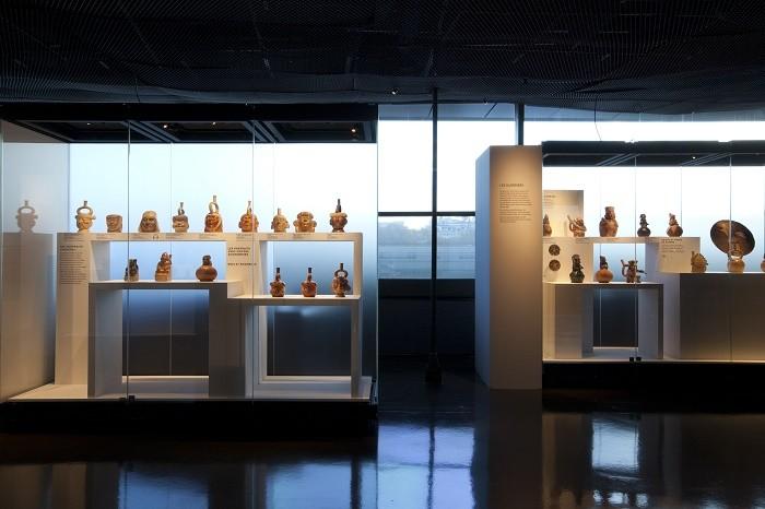 """Musée du quai Branly - Jacques Chirac. Vue de l'exposition """"Le Pérou avant les Incas"""""""