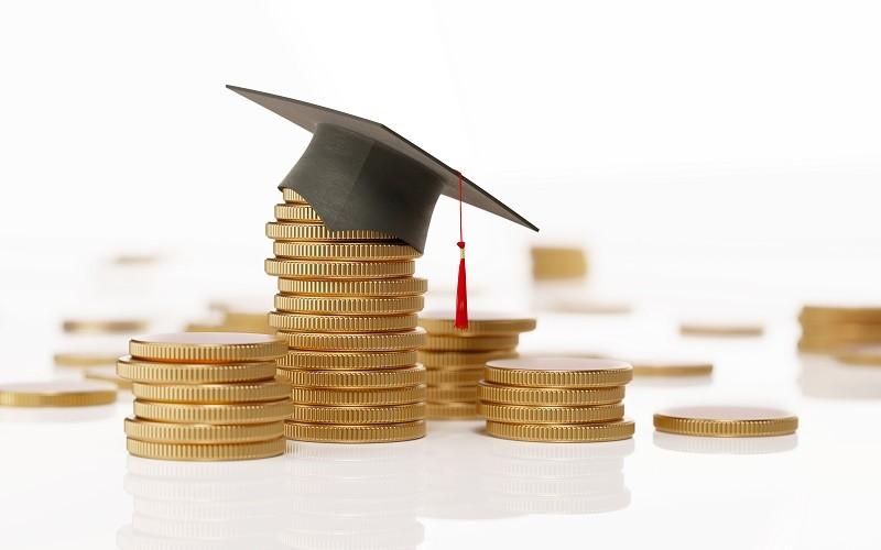 Dépenses pour l'enseignement : la France investit-elle assez ?
