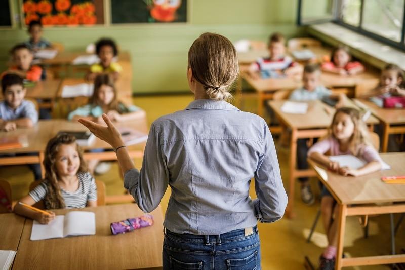 Que vont vraiment changer les annonces d'Emmanuel Macron pour l'éducation ?