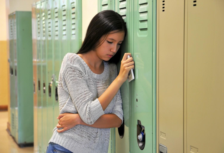 Phobie scolaire : «des crises d'angoisse avant d'aller à l'école, des maux de ventre, des vomissements»