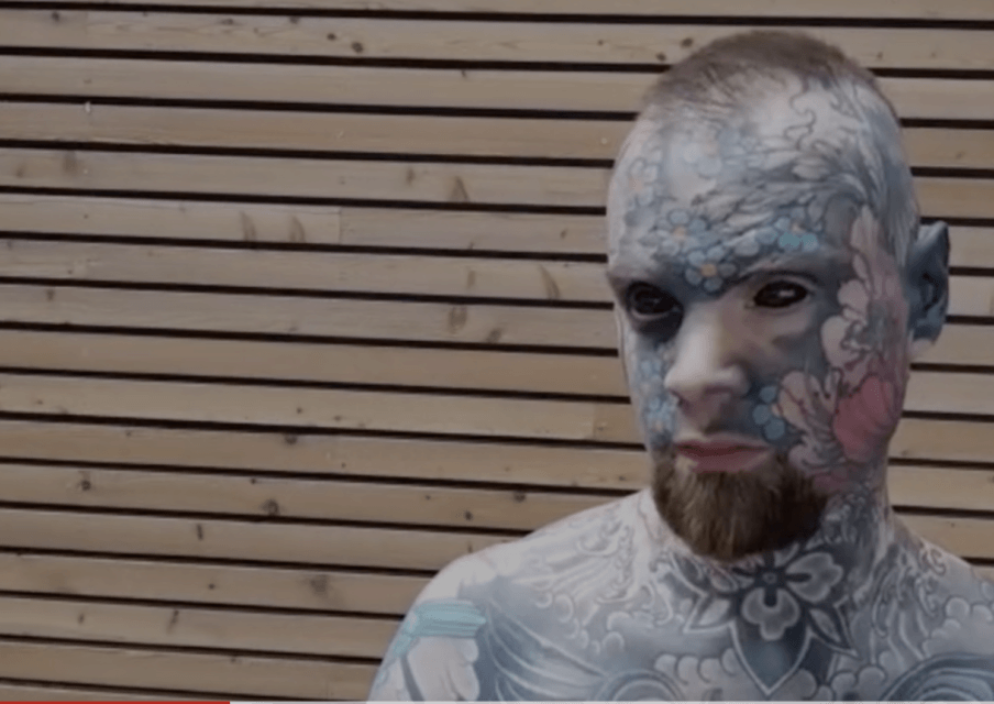 L'homme le plus tatoué de France est prof des écoles