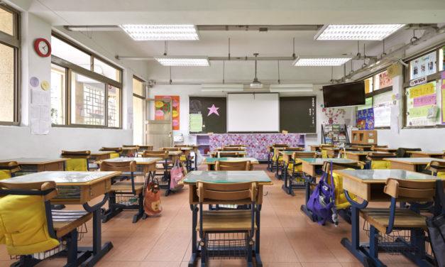 Nouveau protocole sanitaire : Blanquer promet « moins de classes fermées »