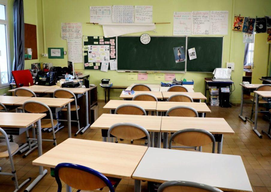 Après seulement deux jours d'école, les fermetures de classes se multiplient