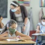 Covid-19 : le port du masque devient obligatoire dans les écoles dès 6 ans