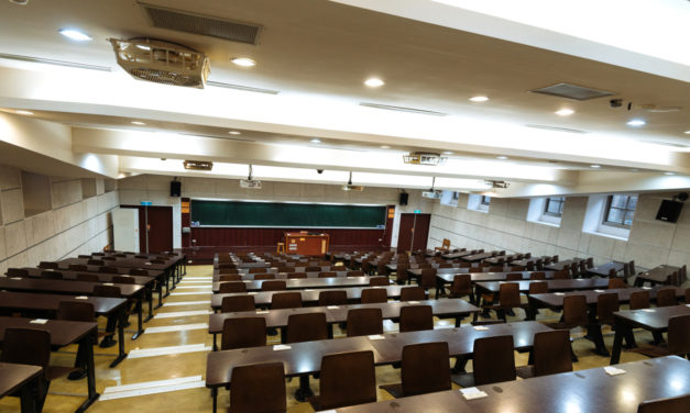 Fermeture des facs : dans l'enseignement supérieur, place à l'incertitude
