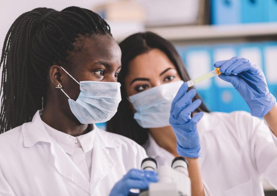 «Orientation des filles vers la science» : vers la fin des stéréotypes ?