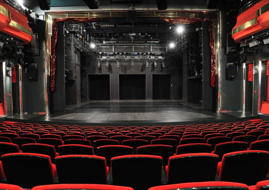 Théâtre en ligne et ressources pédagogiques : la Comédie-Française s'adapte au confinement