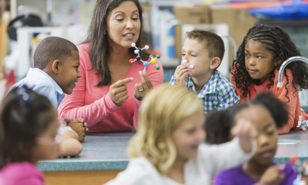 La main à la pâte lance des tutoriels pour enseigner les sciences