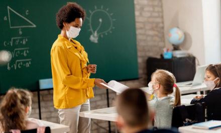 Vaccin : les enseignants doivent être prioritaires selon l'UNESCO et l'UNICEF
