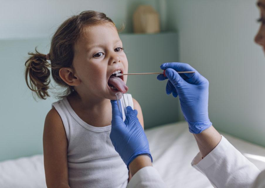Tests salivaires dans les écoles : « évidemment ils sont réalisés par des personnels de santé ! » (Blanquer)