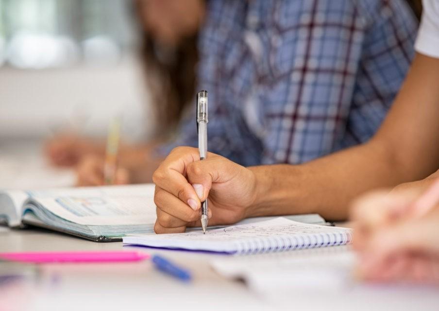 Des stages gratuits de révisions pour collégiens et lycéens